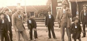 Bild 57 nummer a Krockspel framfor jarnvagsstationen