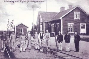 Arbetslag vid Flybo station
