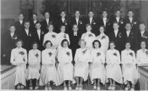 Konfirmander i Nottebacks kyrka 1952 liten