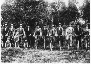 Cyklister, början av 1900-talet